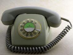 Telefono ochentero...sin prefijos y girando los numeros. El 9 y el 0 daban toda la vuelta