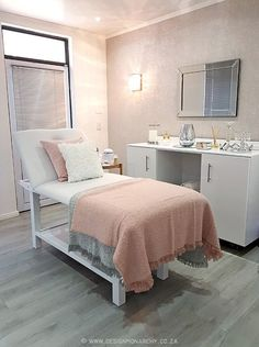 Our Work: Chan Wela Beauty Spa – The Design Tabloid Home Beauty Salon, Home Salon, Beauty Salon Interior, Beauty Spa, Small Beauty Salon Ideas, Beauty Salon Design, Spa Room Decor, Beauty Room Decor, Home Spa Room