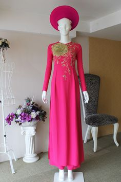 Mẫu áo dài hồng cánh sen đính hoa cách điệu đẹp mắt - Áo dài cưới