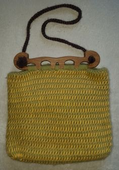 Nalbinding Haithabu Bag / Nålebundet Hedeby Taske by Mariendahl