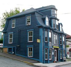 This an interesting house in old town of Lunenburg, Nova Scotia, Canada Exterior Paint Colors, Exterior Design, Lunenburg Nova Scotia, Nova Scotia Travel, East Coast Travel, Second Empire, Beautiful Architecture, Victorian Homes, House Painting