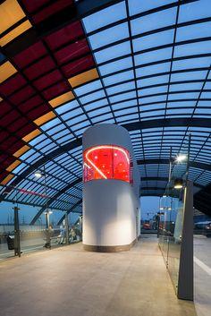 Edificio para Conductores de Buses / Benthem Crouwel Architects