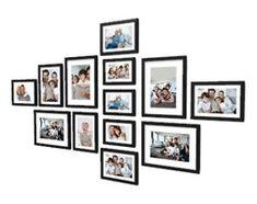 Kolekcja 13 ramek na zdjęcia o wymiarach: 13x18 cm (5 szt.), 15x21 cm (1 szt.), 18x24 cm (4 szt.), 10x15 cm (3 szt.), pow. 131 x 77 cm.Zestaw ramek dekoracyjncyh może posłużyć do stworzenia przytulneg ...