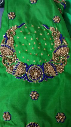 Embroidery Neck Designs, Embroidery Works, Embroidery Suits, Simple Embroidery, Silk Saree Blouse Designs, Fancy Blouse Designs, Bridal Blouse Designs, Maggam Work Designs, Hand Work Blouse Design