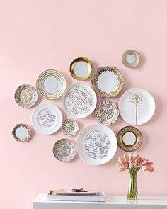 Inspire-se com essas imagens para ajudar a decorar a sua parede com pratos! Ficam lindos e diferentes. Vem ver! - Veja mais em: http://www.vilamulher.com.br/decoracao/decoracao-e-design/decore-sua-parede-com-lindos-pratos-de-porcelana-19-1-11502065-56.html?pinterest-mat