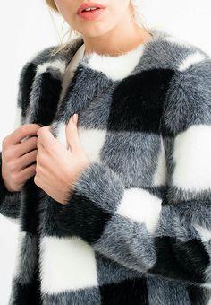 Knitwear Fashion, Fur Fashion, Couture Fashion, Fur Jacket, Fur Coat, Fur Skirt, Summer Coats, Fur Accessories, Fur Clothing