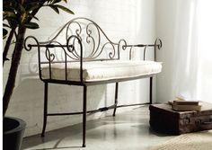 Banco de forja modelo Danubio. #hosteleria #instalaciones #decoracion www.fustaiferro.com