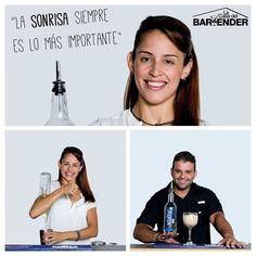 Jamás ofrezcas un cooctel sin una sonrisa  #LaCasadelBartender  Formamos Líderes Bartenders Quieres más información? Envíanos tu email