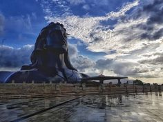 The Adiyogi bust at the Isha Yoga Foundation on the outskirts of Coimbatore in Tamil Nadu. World's largest bust by the Guinness Book of World records. Isha Yoga, Foundation Online, Lord Shiva Statue, Lord Ganesha Paintings, Lord Shiva Hd Images, Lord Mahadev, Shiva Wallpaper, Nataraja, Shiva Art