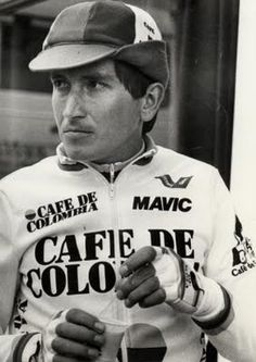 Coffee and cycling goes together like fire & air, Garmin-Cervelo, love=steel bikes and a whole host of other enjoyable t. Cycling Art, Cycling Bikes, Vintage Cycles, Bicycle Race, Football And Basketball, Historical Images, Sports Stars, Sportswear, Portraits