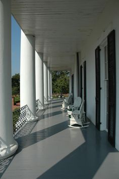 Southern Plantation Homes, Southern Mansions, Southern Plantations, Southern Homes, Southern Living, Southern Charm, Greek Revival Architecture, Southern Architecture, Colonial Architecture
