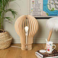 Lampe Ampoule En Bois. Un Lampe Au Design Original ...
