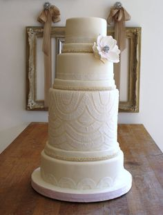Bobbette and Belle wedding cakes toronto
