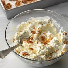 Pineapple Pretzel Fluff Recipe -I often bring this special salad to potlucks, and everyone goes crazy for the sweet and crunchy combination. Be sure to add the pretzel mixture right before serving to keep it crispy. Fluff Desserts, No Bake Desserts, Easy Desserts, Dessert Recipes, Salad Recipes, Cold Desserts, Pineapple Pretzel Salad, Pineapple Fluff, Dessert Simple