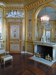 LES LIAISONS DE MARIE ANTOINETTE:  On the lower floor, the Boudoir de la Reine or silver bedroom is situated between the chambers of the queen and the king (the latter having been converted into Napoleon's Throne Room in 1808). This boudoir was decorated in a sumptuous antique style by the Rousseau brothers in 1786.