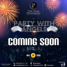 """yuk jadi saksi Perayaan Tahun Baru Paling meriahh di Pekanbaru. Berbagai hiburan Gala Dinner sepuasnya Band Perform ada Angels nya sexy dancer pelepasan lampion pesta kembang api dan hiburan lain yang ga bakalan kamu lupakan.  ini cuma ada di """"Party with Angels"""" dari @thepeakpku  tunggu apa lagisegera reservasi yaa karena slot terbatas sudah mau habissss.. For reservations and enquiries please call (0761) - 861122 or email sales@thepeak.co.id  #skygardenpku #thepeakpku #skypark #pekanbaru…"""