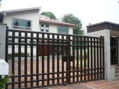 Casa Sola En Condado De Sayavedra, Blvd. Del Condado