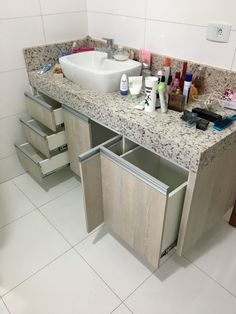I love this pristine rustic bathroom Bathroom Cupboards, Bathroom Toilets, Bedroom Bed Design, Home Room Design, Bathroom Design Small, Bathroom Interior Design, Space Saving Bathroom, Washbasin Design, Kitchen Cabinet Design