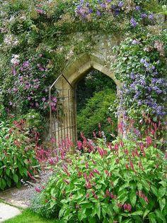 Sudeley Castle secret gardens