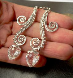Very pretty wire earrings