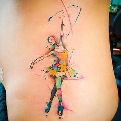 Tatuaje bailarina acuarela