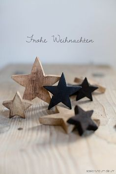 Crafts For Outside Frohe Weihnachten! Merry Christmas Everyone, Merry Christmas Card, Noel Christmas, White Christmas, Christmas Crafts, Xmas, Decoration Christmas, Wooden Stars, Twinkle Twinkle Little Star