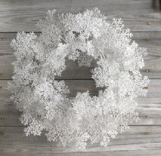 white snowflake wreath