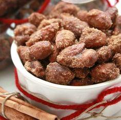 Slow Cooker Cinnamon Almonds | foodgio
