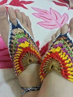 Crocheting: G.B.S. (GRANNY BAREFOOT SANDALS) free pattern