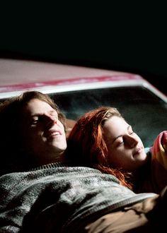 New still of Jesse Eisenberg and Kristen Stewart in'American Ultra' (2015)