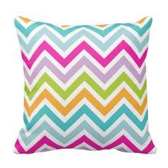 Bright & Colourful Chevron Pattern Throw Pillow: Amazon.co.uk: Kitchen & Home