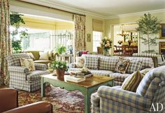 Traditional Living Room by Michael S. Smith Inc. and Ferguson & Shamamian Architects in Malibu, California