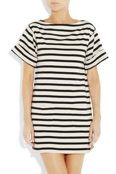Drop your anchor in nautical-inspired style this season with By Malene Birger's cream and black cotton 'Nagat' tunic. We love how the elegant boat neck and sailor stripes nod to the French Riviera. Wear this sweet piece for a leisurely lunch date or seaside cocktails, giving it a fashion-forward finish with golden accents and a clashing clutch.