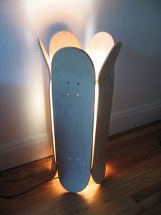 skate_lamp Inspiration pour le MakerSpace de Lille #lampe #skateboard