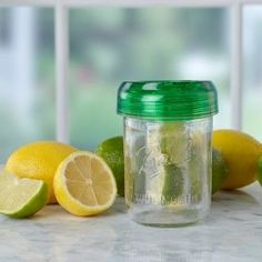 Fitting perfectly on any wide mouth mason jar, this lid features a BPA-free hanging basket to infuse your drink with fresh flavors.