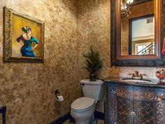 Artistic bathroom with antique pieces - #interiordesign #bathroom
