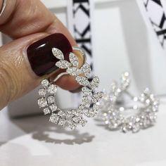 Diamond earrings #bykalfinjewellery #diamondjewellery #diamondblog #customdesign #jewellers #weddingrings #diamondrings  #engagementringsmelbourne #custommadejewellery #cbdjeweller #cityjewellers #bestdiamonds #bestjeweller #weddingrings #gentsring #solitaire #collinsst #melbourne www.kalfin.com.au
