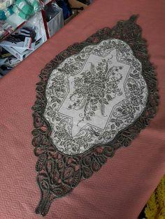 Needlepoint, Cross Stitch Patterns, Elsa, Diy And Crafts, Lace, Flowers, Punto De Cruz, Racing, Needlework