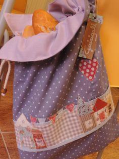 Bolsa para el pan con motivos patchwork de Guirigall xiquets