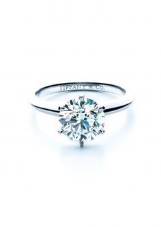 Tiffany® Setting / Classic Bride