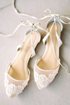 Women Shoes-Casual shoes Dance Flat Night Shoes Flat Wedding Shoes To . Women Shoes-Casual shoes Dance Flat Night Shoes Flat Wedding Shoes To Dance All Night Source by Ami Best Bridal Shoes, Boho Wedding Shoes, Wedding Dresses, Lace Bridal Shoes, Wedding Accessories For Bride, White Flat Wedding Shoes, Wedding Dancing Shoes, Ballet Wedding Shoes, Bride Shoes Flats
