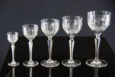 Marie serie fra Hadeland Glassverk ....så ekstremt vakkert! Flute, Wine Glass, Champagne, Crystals, Tableware, Beautiful, Dinnerware, Tablewares, Crystal
