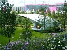 BFLS Architecture teamed up with Arup acoustics to design Soundforms - extraordinary inflatable stages that are portable and deliver outstanding sound Portable Stage, Eco Architecture, Green Building, Sustainable Design, Sustainability, Around The Worlds, Amazing, Innovation, Alternative