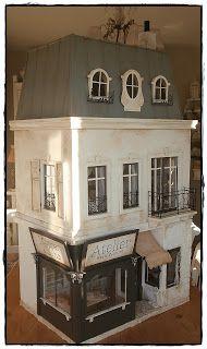 der Hütte.....das Dach *g*              Im Dachgeschoß hat Janos sich ein kleines Zimmer eingerichtet.....falls es wieder einmal später w...