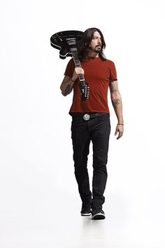 Dave Grohl / Foo Fighters Fame as the drummer for Nirvana He is also the lead vocalist, rhythm guitarist, main songwriter and founder of the band Foo Fighters. Music Love, Music Is Life, Rock Music, Rock N Rol, Beatles, Jimi Hendricks, There Goes My Hero, Foo Fighters Dave Grohl, Rock Poster