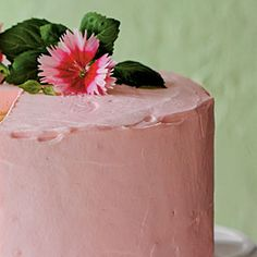 Glorious Strawberry Frosting is spread on the sides and top of our Strawberries and Cream Cake. Use Strawberry Frosting for you favorite cake Strawberry Frosting Recipes, Strawberry Cream Cakes, Strawberry Desserts, Strawberries And Cream, Cake Icing, Buttercream Frosting, Cupcake Cakes, Cupcakes, Cream Pie