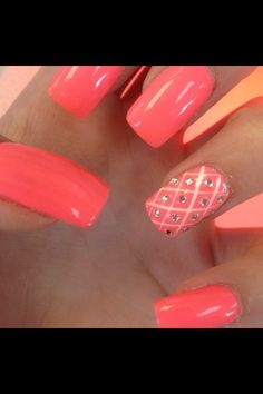 Coral nails with quilted & swarovski sparkle standout nail...x