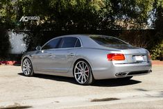 photo 7 Bentley Flying Spur custom wheels AC ACR 413 22x9.0, ET , tire size 265/35 R22. 22x10.5 ET 295/30 R22 Luxury Sedans, Luxury Cars, Hummer Cars, Bentley Arnage, Merc Benz, Bentley Flying Spur, Tire Size, Bentley Motors, Car Mods