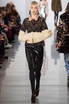 Sfilata Maison Margiela Parigi - Collezioni Autunno Inverno 2016-17 - Vogue