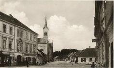 Komenského ul., vpravo pošta Street View